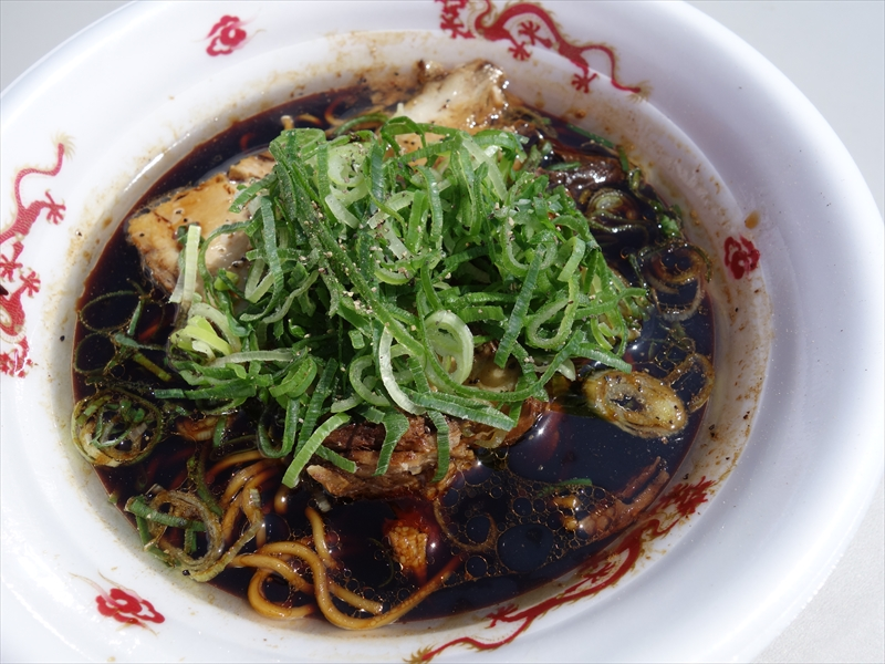 【最強ラーメンFes,】『中華そばブラック』と『中華そばホワイト』を食べてみた@『くじら食堂』