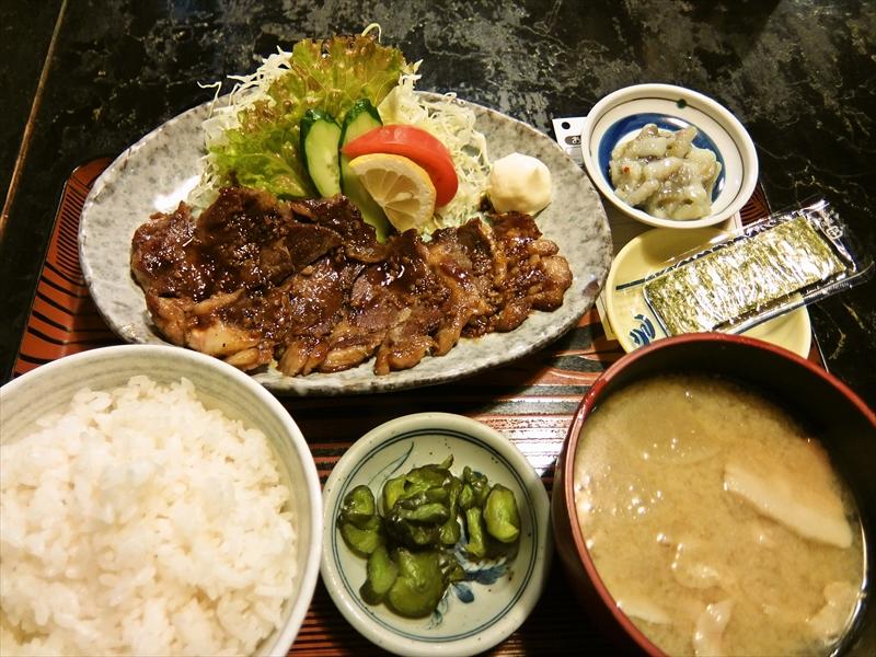 秋葉原『村役場』でランチならジャンボステーキ定食がナウい