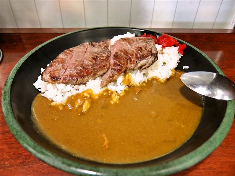 秋葉原『新田毎』のステーキカレーが最強にステキな690円