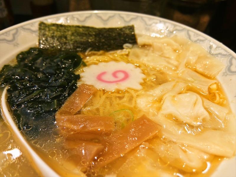 秋葉原『塩たいぜん』で海老塩ワンタン麺など如何でしょうか?