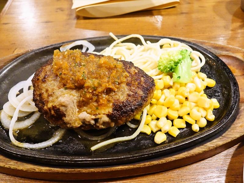 秋葉原『ヒーローズ』でステーキじゃなくハンバーグランチを食べてみた