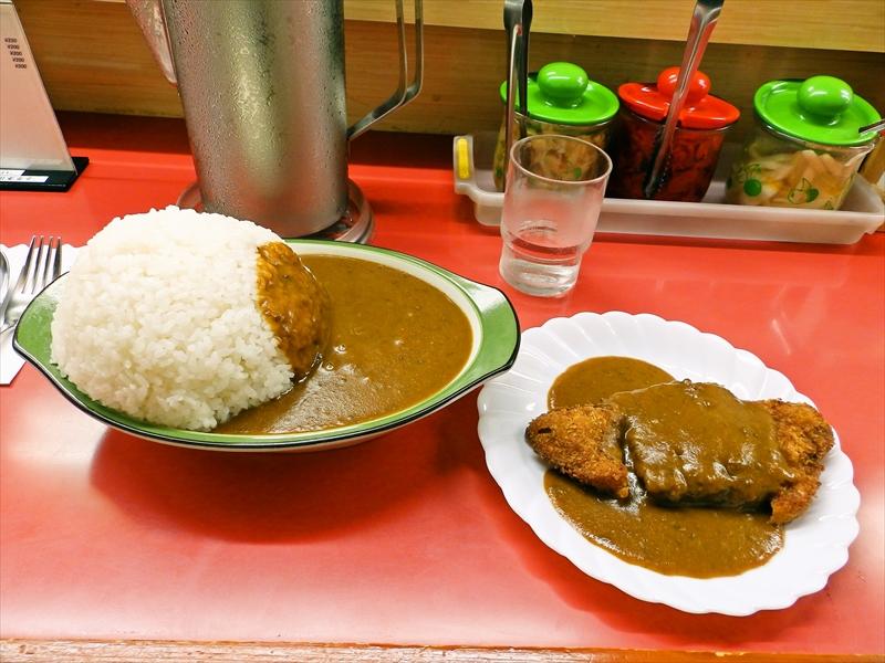 藤沢『シュクリア』デカ盛りカレーにおけるライスの盛り方とは?