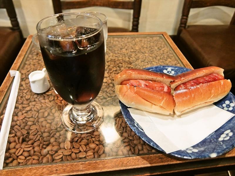秋葉原『珈琲庵』のテーブルがカッコイイと思った夏の日