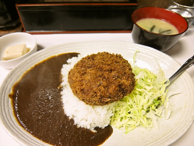 『キッチン台栄』でメンチカツカレーを食べてみた@上野