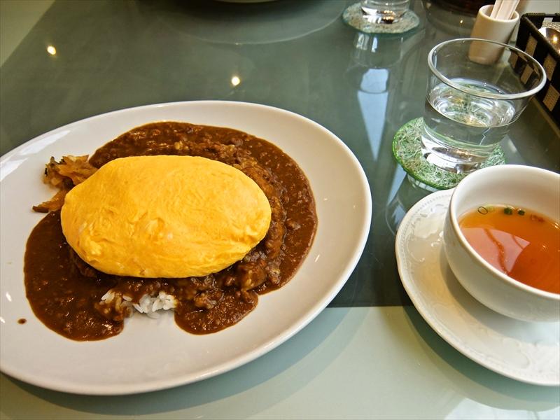『ルー・ド・メール』ドライカレーオムレツのせって美味しいよね!@神田ランチ