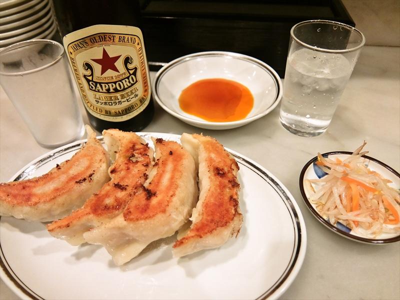 """『昇龍』で餃子とワンタン食べたら""""赤星""""も飲むでしょ?@上野"""