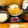 """『とん平』で""""とん平定食""""(ロース、アジ、イカ)を食べてみました@相模原"""