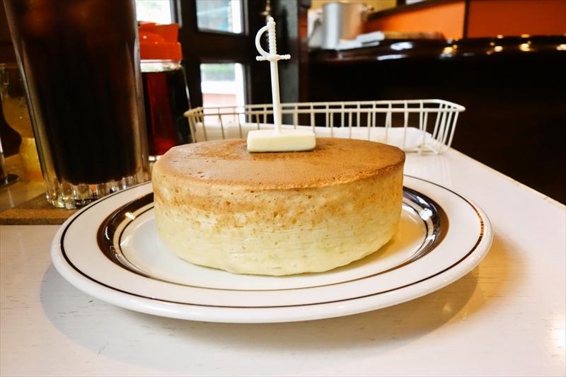 『喫茶ちゃっぷ』で厚焼きホットケーキ&アイスコーヒー@町田