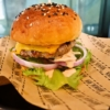 『BAD BURGER』のハンバーガーが健康面でチョイワルな件の是非@バンコク