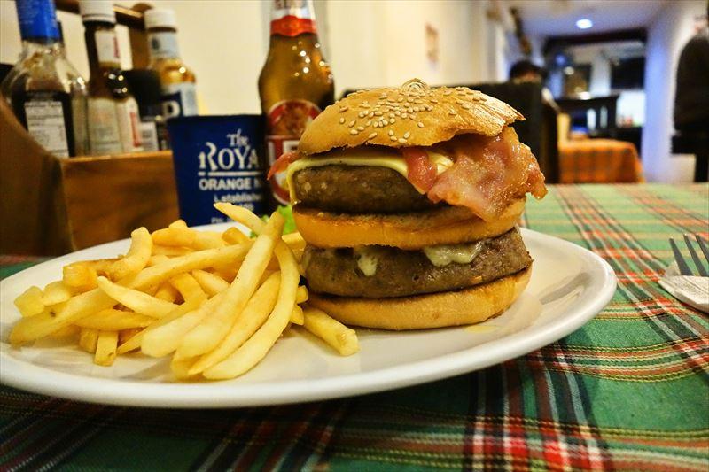 『Bradman's』ハンバーガーって肉料理じゃね?って思う瞬間@バンコク