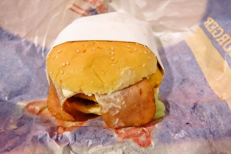 『カールスジュニア』ハンバーガー屋でビーフ切れとかキレるだろがと思った日@バンコク