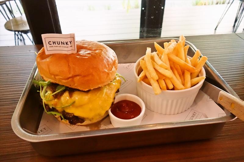 【CHUNKY】チャンキーでチーズバーガー的な何かを食べてみる@バンコク【タイ】