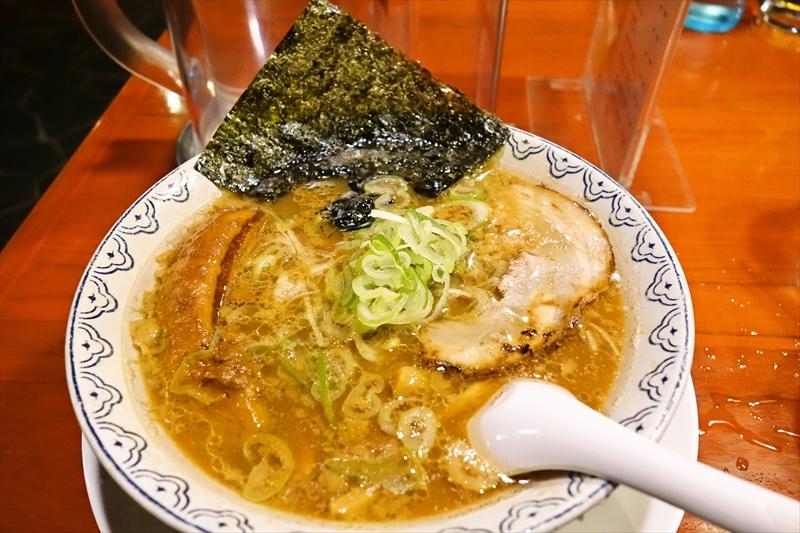 """東京豚骨ラーメン『ばんから』で""""角煮ばんから""""的なラーメンを食す@タイ"""