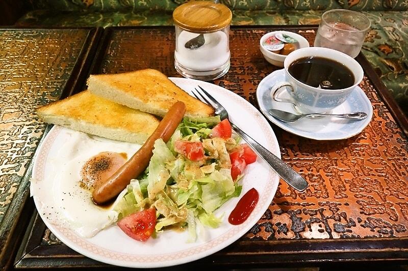 デカ盛りな店『喫茶アーモンド』のモーニングが色々と(略@岩本町