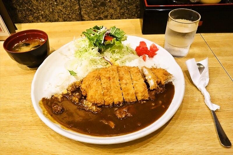 『ひげ虎』今、この瞬間に食べるべきカツカレーを発見したので御報告@新丸子