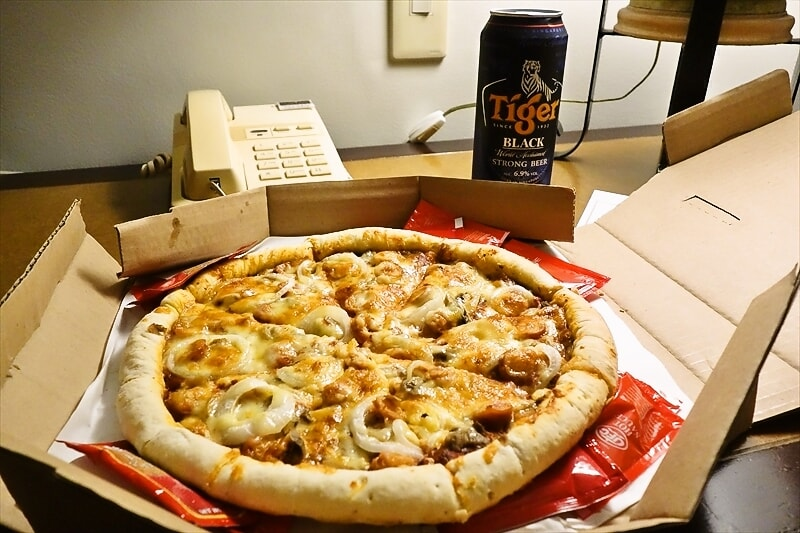 【ピザ】チーズが溶けてりゃなんでも美味いんじゃね?@『BIG30』【Pizza】