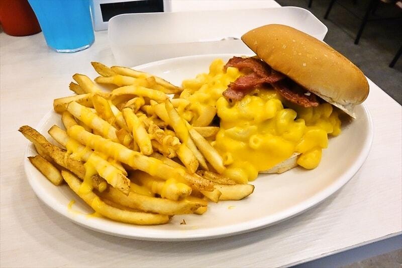 『Zark's Burgers』真のチーズ好きが選ぶチーズバーガーってどんな感じ?