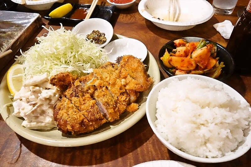 【デカ盛り】テルエル豚の上ロースカツ定食的な何かとローストビーフ丼を食べる夜@『焼肉はせ川』