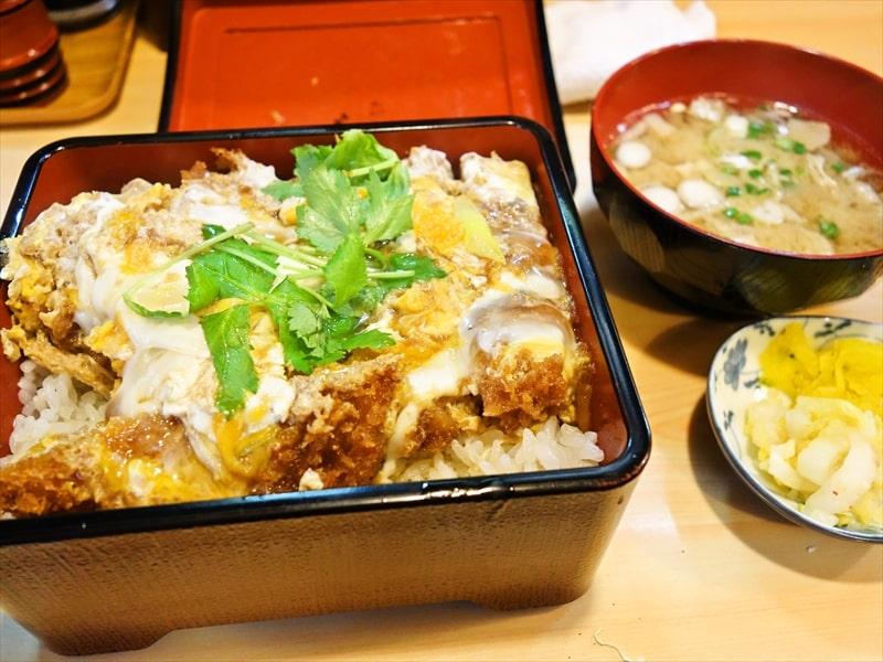 秋葉原のカツ丼クラスタは復活した『とんかつ大泉』まで遠征すべきでは?