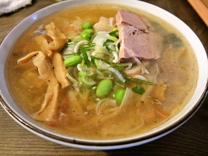 町田『雷文(らいもん)』で正月早々ラーメン食べてみた結果