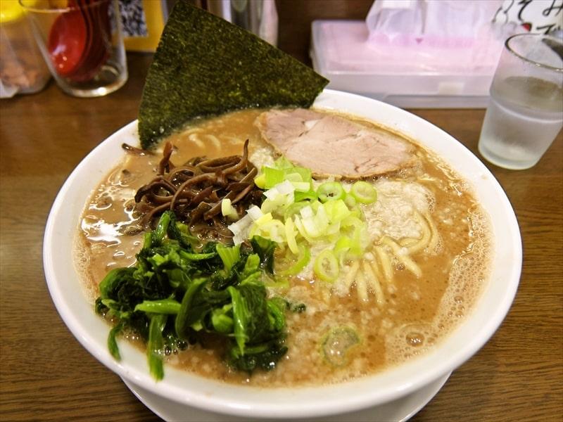 【大和】『うまいヨゆうちゃんラーメン』の超濃厚ド豚骨ラーメン!【羽釜炊き】