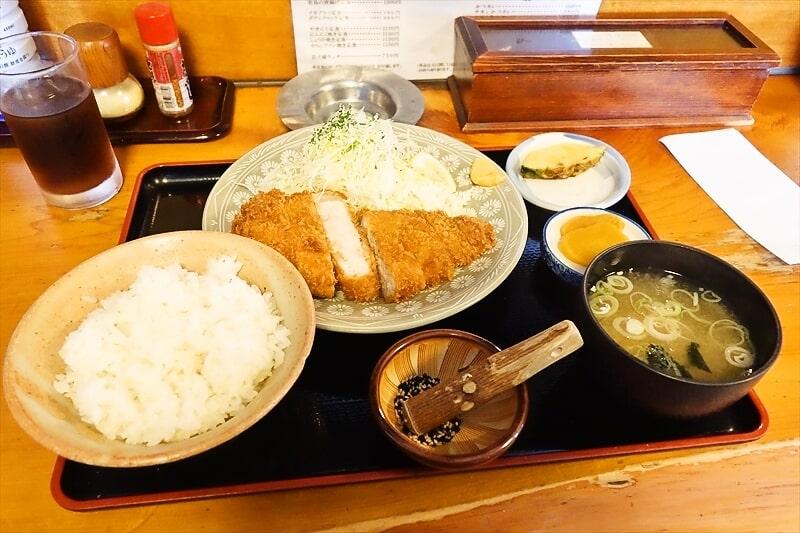 """とんかつ『かつ心』で""""ロースかつ定食""""を食べてみました@愛川町"""