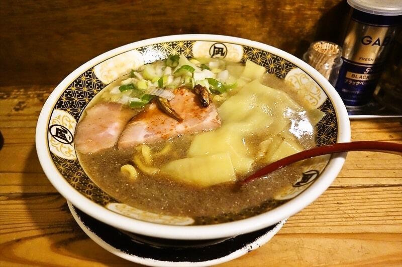 【新宿】『すごい煮干ラーメン凪』煮干し感あるラーメンがゴイスーですよ?【ゴールデン街】