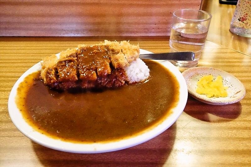 『とんかつ朱鞠』カツカレー大盛り750円なら食べる1択じゃね?@町田