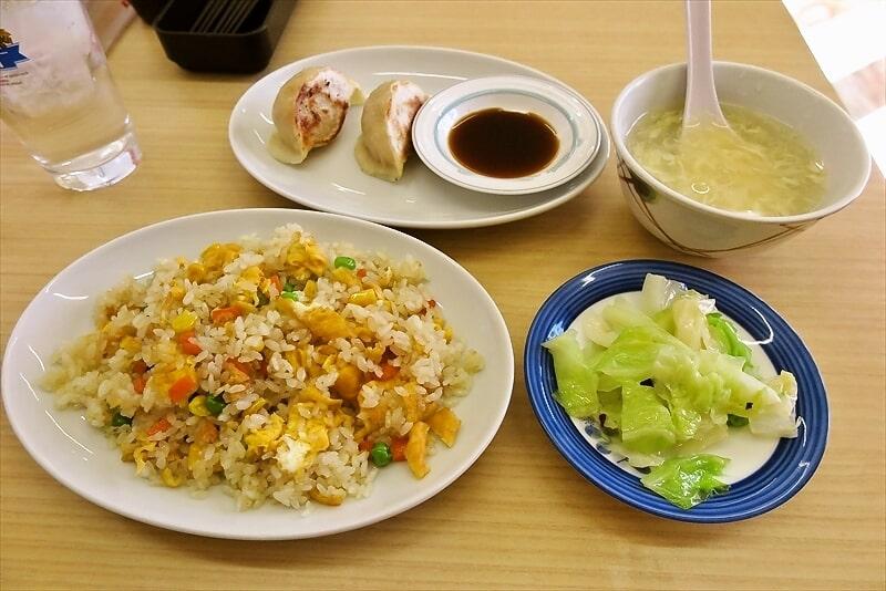 『百味苑』でチャーハンと餃子2個の定食的な何か@町田市の木曽ら辺