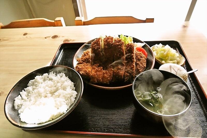 『かねひで』でロースカツ定食を食べたら美味しかったのでオススメ!@愛川町