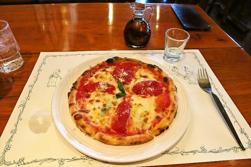 """『オールドヒッコリー』""""女王のマルゲリータ""""的なピザを食す!@町田"""