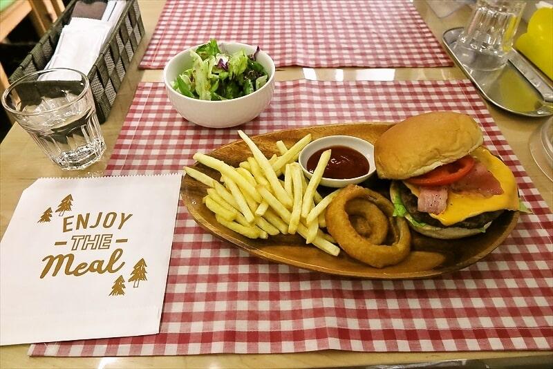 【トレーラーハウス】『タカオキッチン』でハンバーガーを食べてみた@相模原
