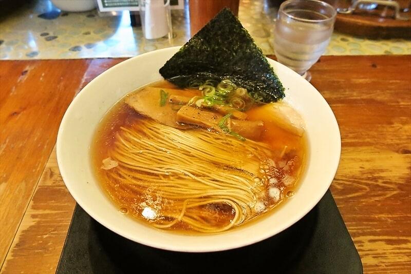 『麺や食堂本店』中華そば的なラーメンを食べたら美味しかった件@厚木