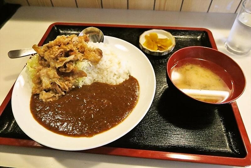 オダサガの『朱鞠』(しゅまり)で生姜焼かけカレー的なランチ@座間