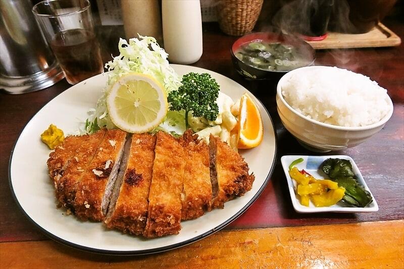 相模原『とんかつ赤城』メンチカツ的な定食を食べてみた