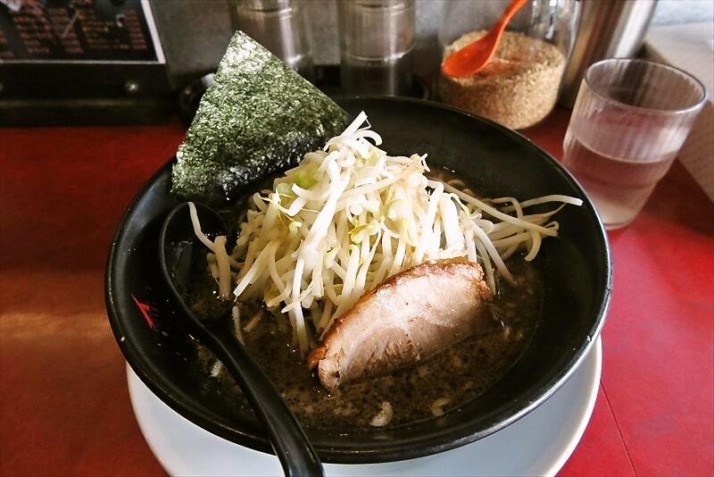町田の『ジュンペイラーメン』でメタルな黒ラーメンを食す