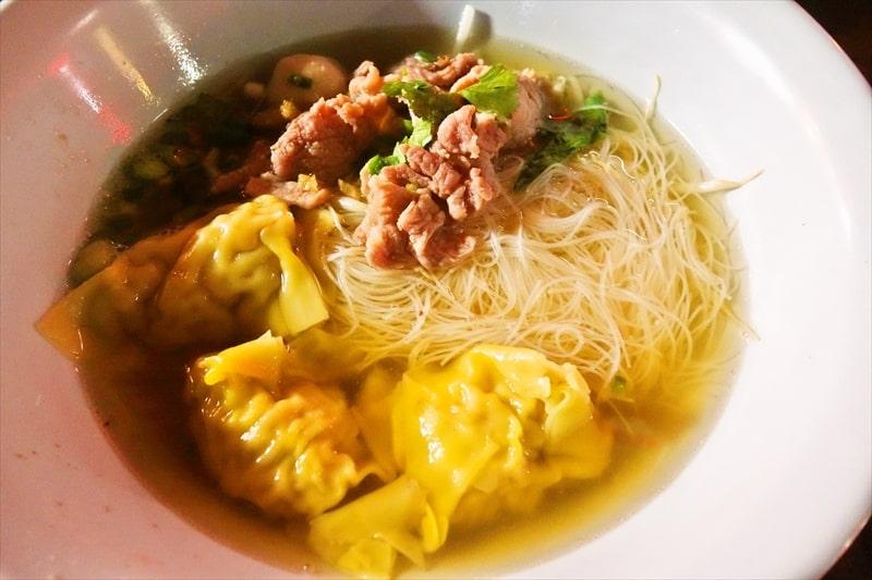 【ラーメン】タイにはスープにパイナップルを使った屋台があるらしい@ナナプラザ