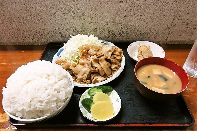 『奄美』デカ盛り生姜焼き的な定食を大盛りで食す!@相模原