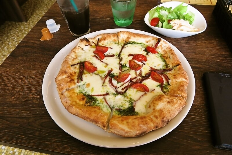 『OH!GOD』(オー!ガッド)ジェノヴェーゼ的なピザが食べたい