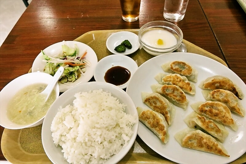 『大衆酒場 王家餃子』餃子定食(10ヶ)700円ですって@相模原