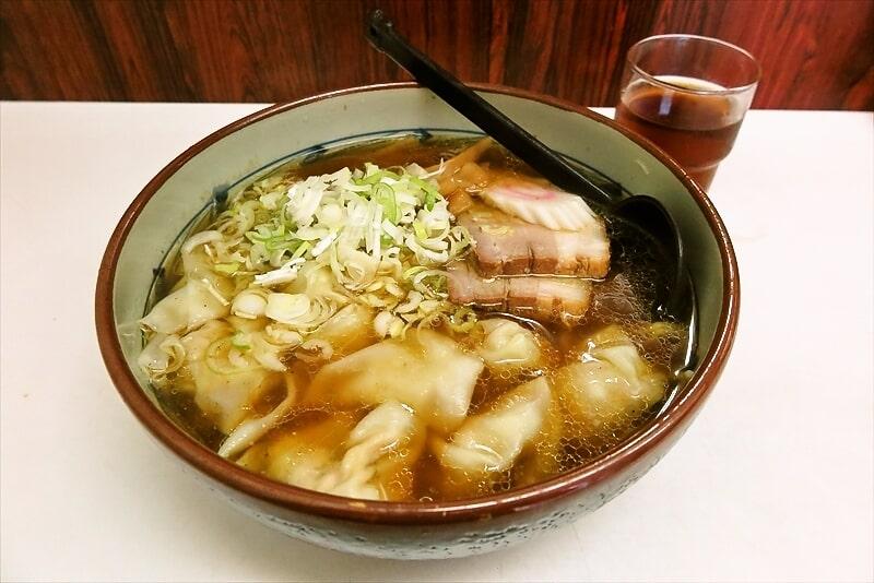 横浜『若松家』でワンタンメン的なラーメンを食べたら旨かった件