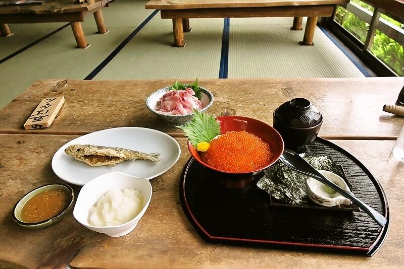 """川魚料理『飄禄玉』""""鯉のあらい、鱒のいくら丼""""とか食べる@相模原"""