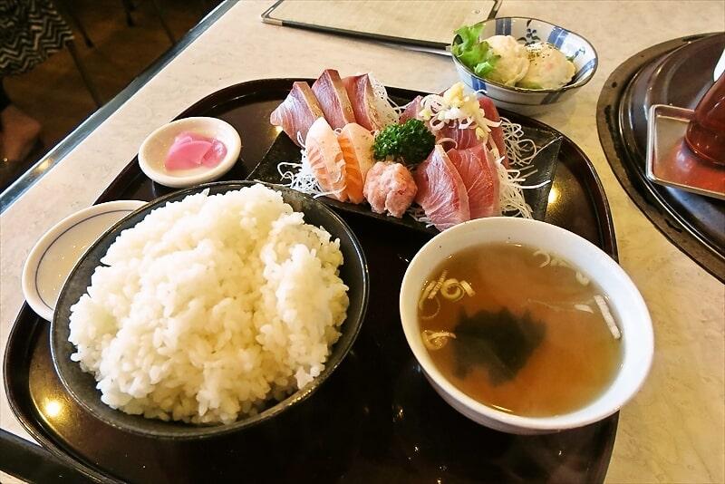 相模原『彩門』焼肉屋なのにランチ刺身定食680円を食べる時