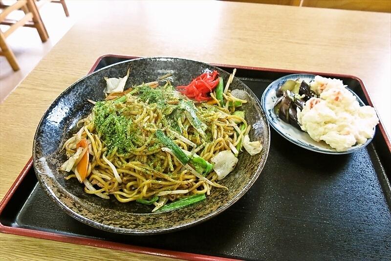 【町田】製麺所直営『谷際屋』やきそば&ポテトサラダで500円