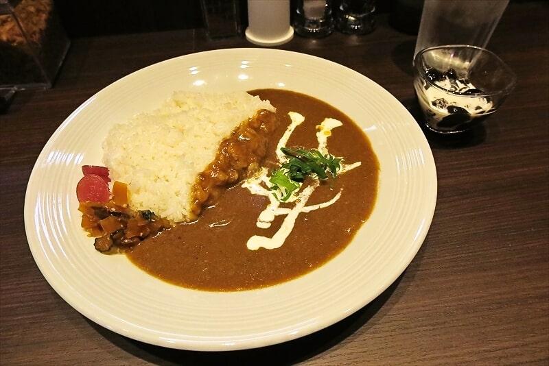 町田『かれー工房のえる』のえる純カレー580円が美味しい件