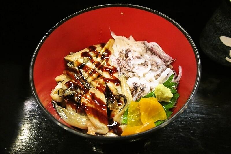 相模原『すし亭』おまかせ海鮮丼的なランチ550円でどうよ?