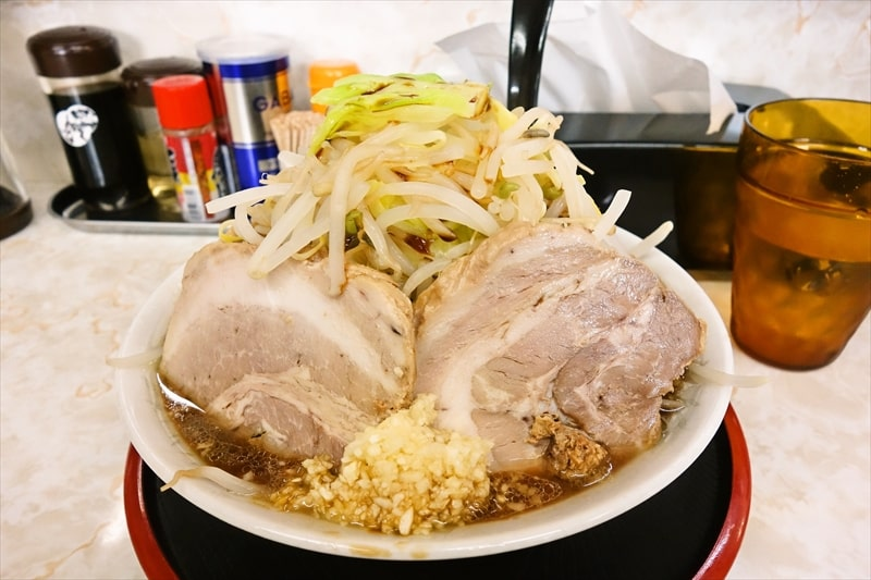 """【デカ盛り】『麺屋みのわ』で""""大豚麺""""的なラーメンを「ニンニク、ヤサイで!」みたい"""