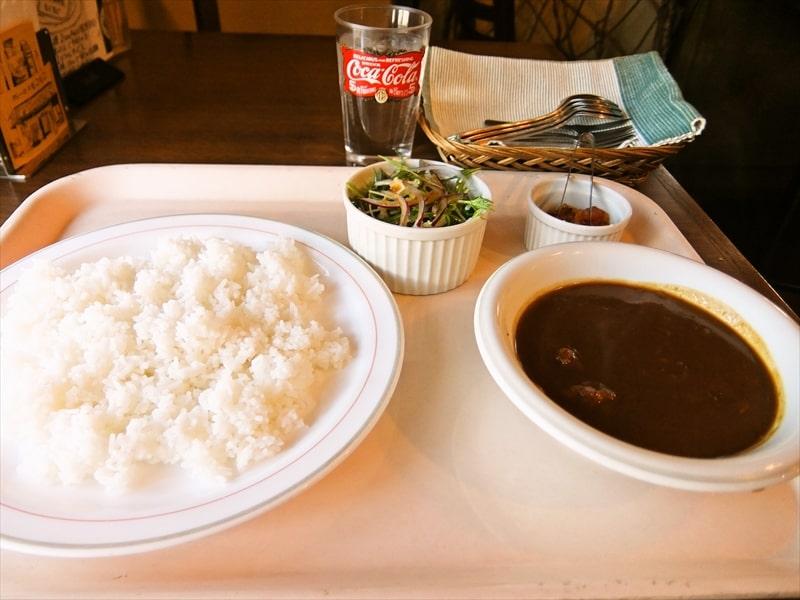 町田『カレーのモコモコ』ランチのカレーがお得な予感!三種類のカレーが愉しめるカレーの名店