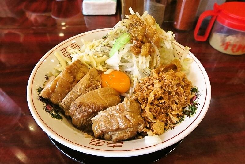 【G系】町田『ぶっ豚』油そばを豚マシで食べてみるじゃない?【極太麺】
