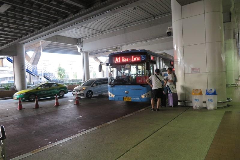 ドンムアン空港からバンコク市内への移動方法はバス1択!
